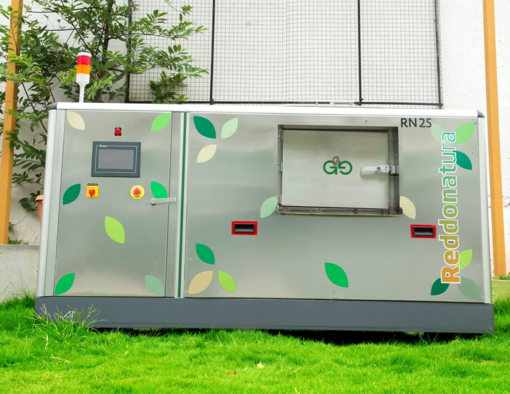 rN25 composting machine